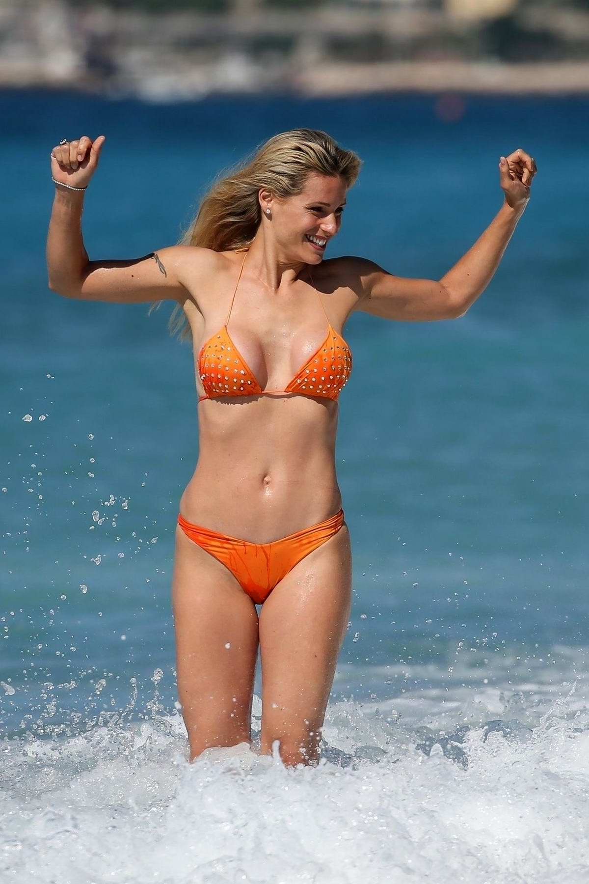 Michelle Hunziker en bikini orange