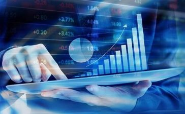 Investisseur qui négocie en ligne